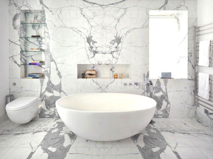 Biała   Marmurowa   łazienka :) #minimalizm #wanna Wolnostojąca