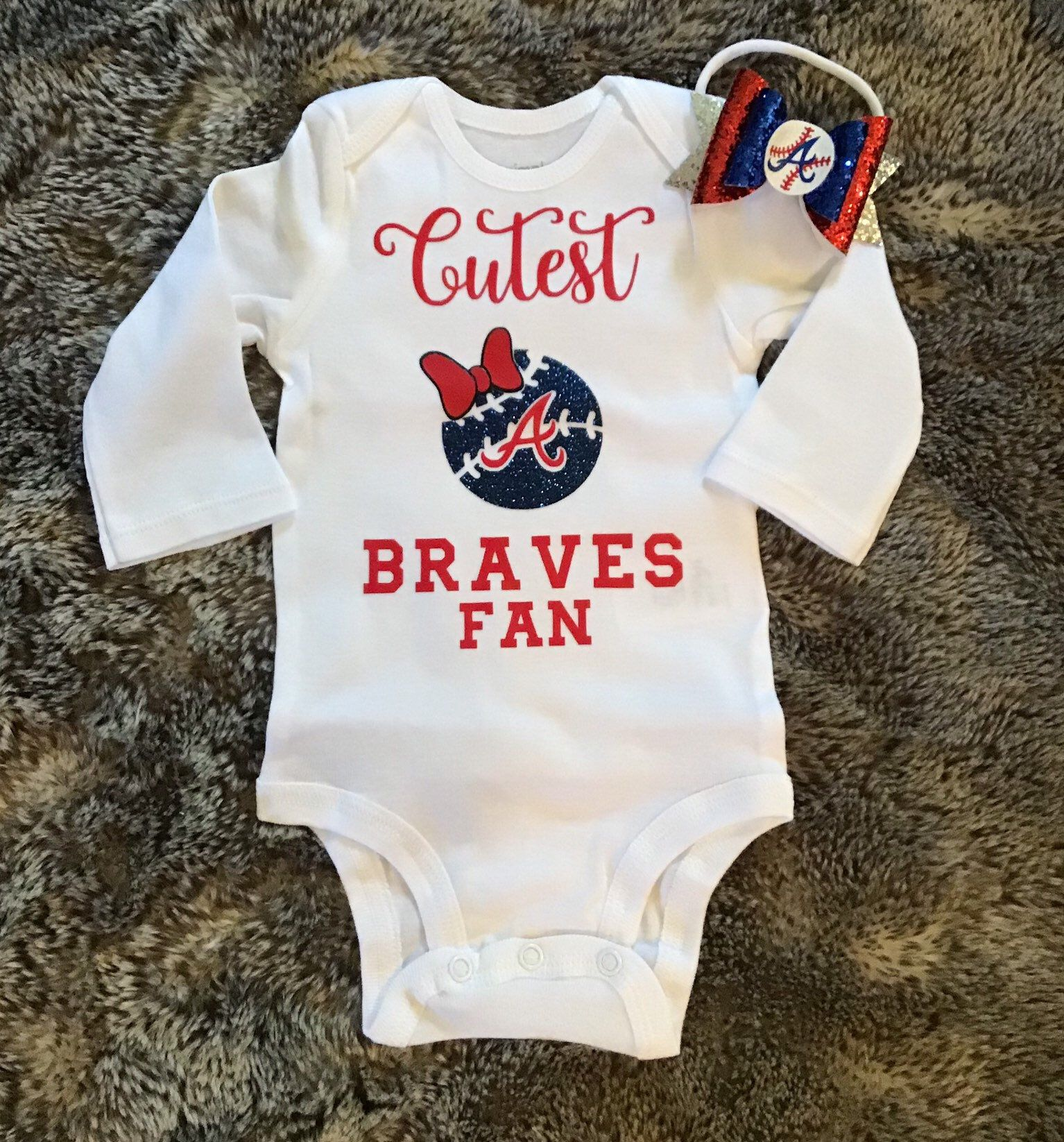 Atlanta Braves Fan Baby Girl Bodysuit Sports Baby Shower Baseball Baby Bodysuit Baseball Season Gifts Braves Photo Prop In 2020 Atlanta Braves Baby Baby Girl Bodysuit Girls Bodysuit