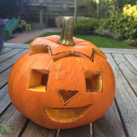 Hoe Maak Je Een Halloween Pompoen.Pompoenen Uithollen Maak Met Je Kids Je Eigen Halloween