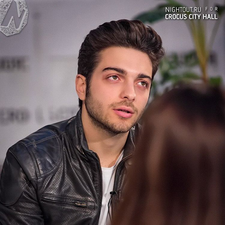 Repost ilvolomundialoficial  @ilvolomusic By Night Out RU #Photogallery #Interview @crocuscityhall #ilvolorussiantour2016 http://bit.ly/1Yg5d5p #thankyouforsharing #ilvolo #ilvoloversdelmundo #ilvolomundialoficial