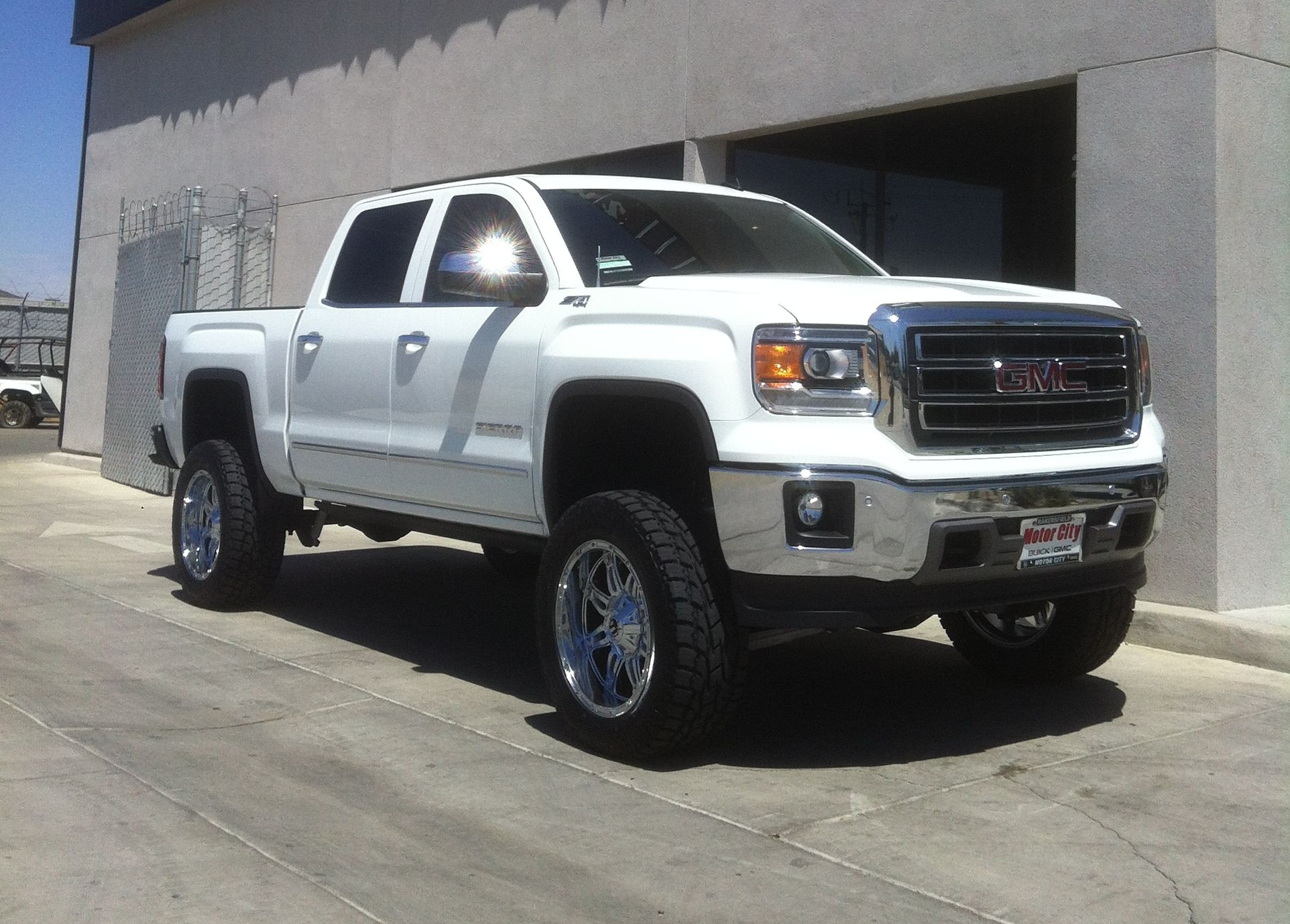The chevrolet silverado ss is a midsize double cab pickup truck available in midnight club