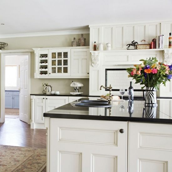rustikale küchen holz landhausstil weiß