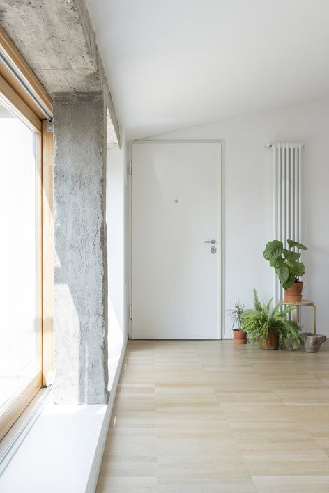 Piccolo attico con terrazza   studio wok   Wok, Mansarde ...
