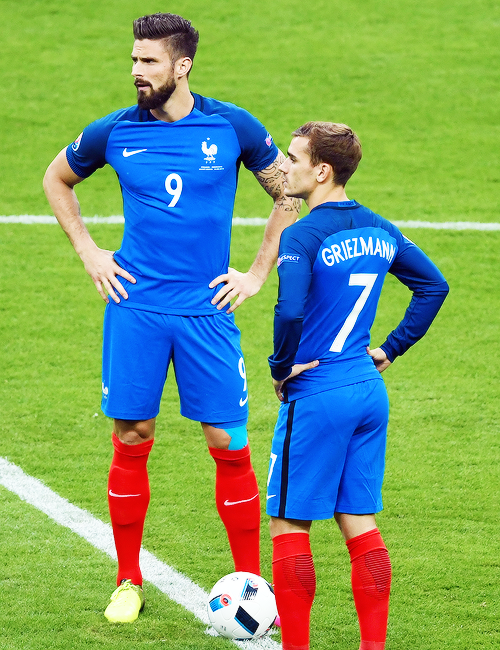 Oliver Giroud and Antoine Griezman opening game France vs