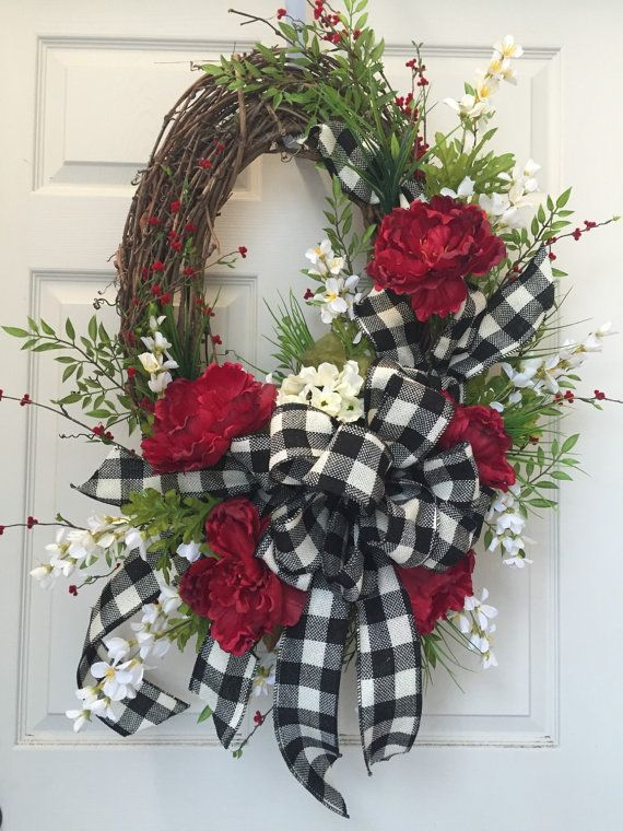 Photo of Oval Grapevine black and cream summer everyday wreath