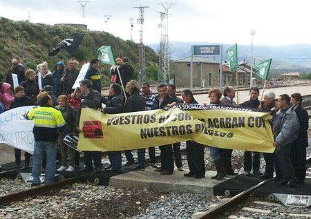 Los vecinos piden que se mantenga el tren entre Puebla y Zamora