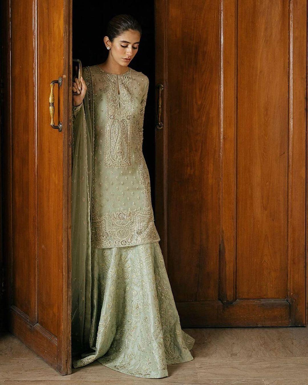 "ReynaSays - Fashion Enthusiast on Instagram: ""Syra Yousaf is the true natural beauty! ⚡🌟 . . . . . . . . . . . . . . . .  #fashionweek #fashionworld #fashionblogger #fashionbombdaily…"""