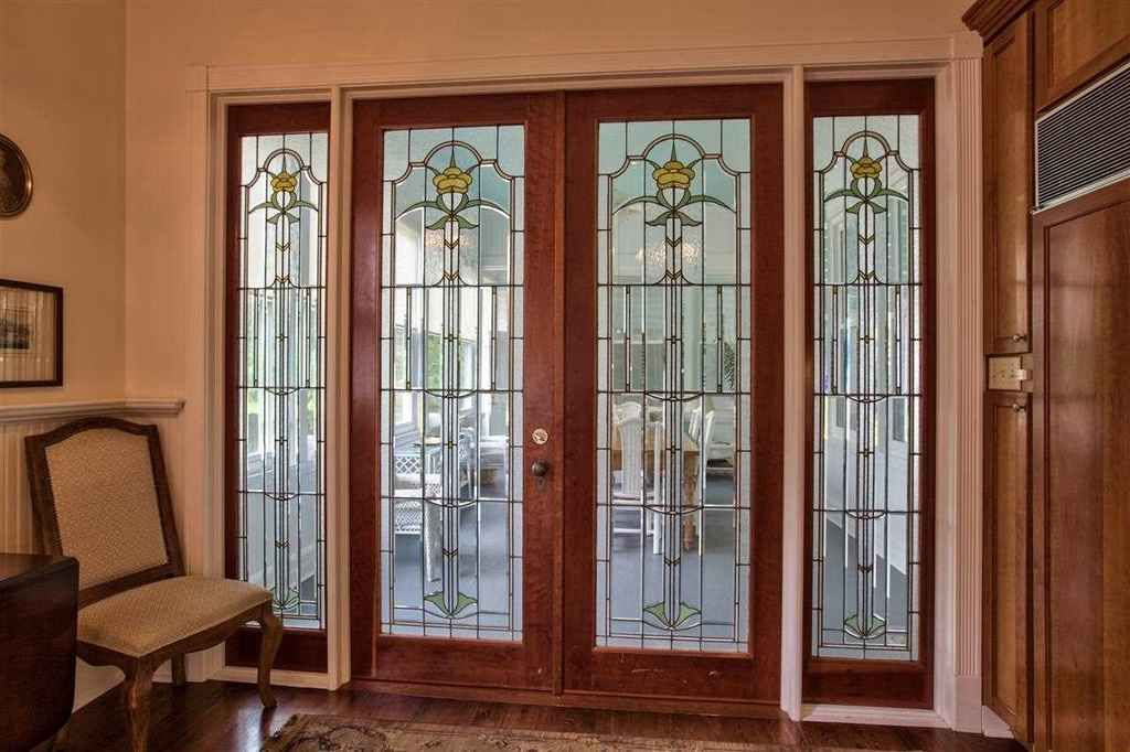 1895 Queen Anne Quincy Fl 450 000 Stained Glass Door Old House Dreams Queen Anne