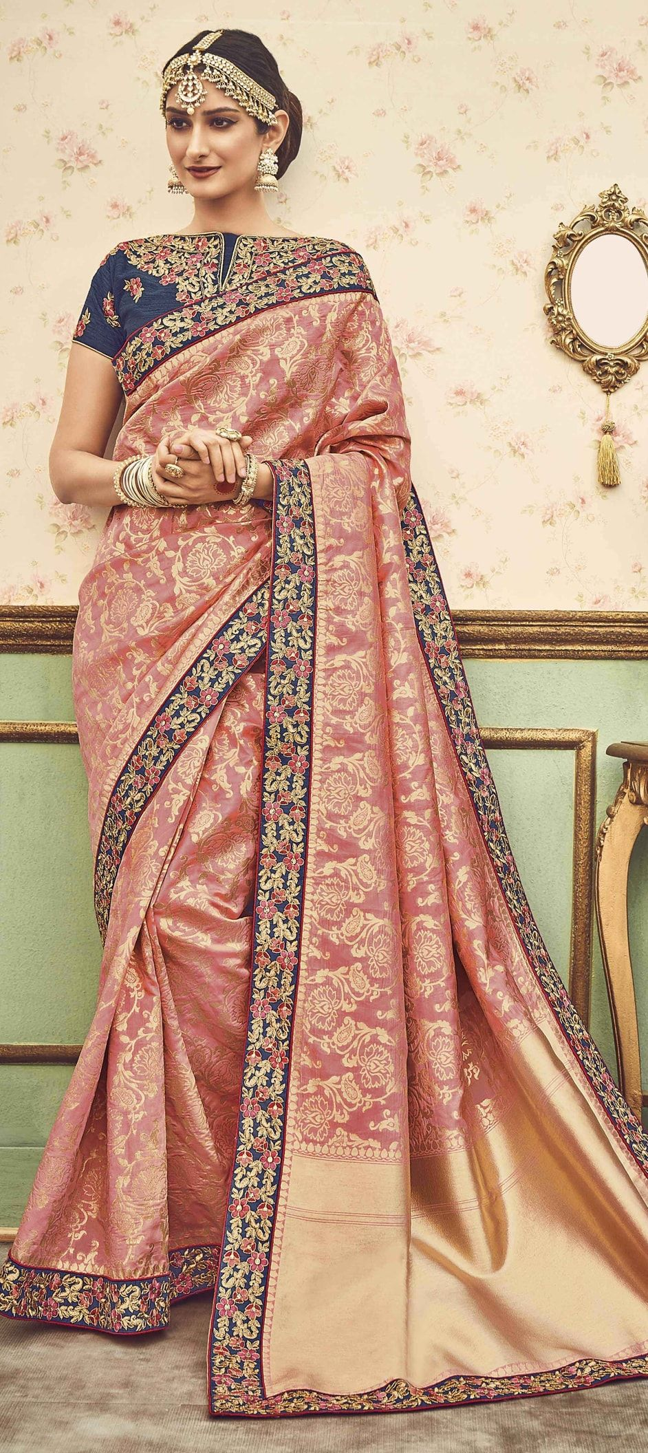 ef10f682d95707 769933 Pink and Majenta color family Party Wear Sarees in Silk fabric with  Border, Thread work with matching unstitched blouse.