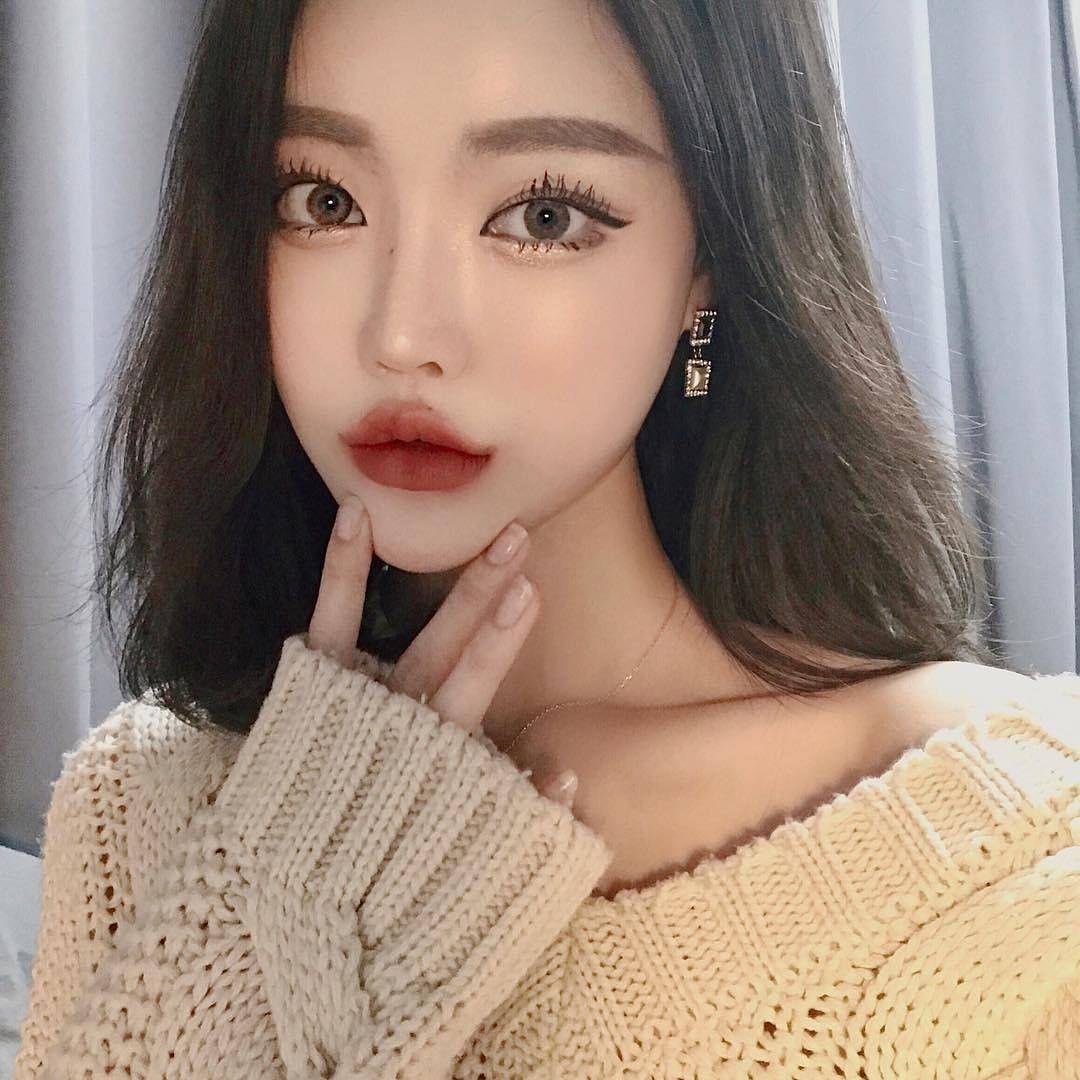 4 Likes, 1 Comments 김다빈 (daxbin fanpage) (daxbin.my