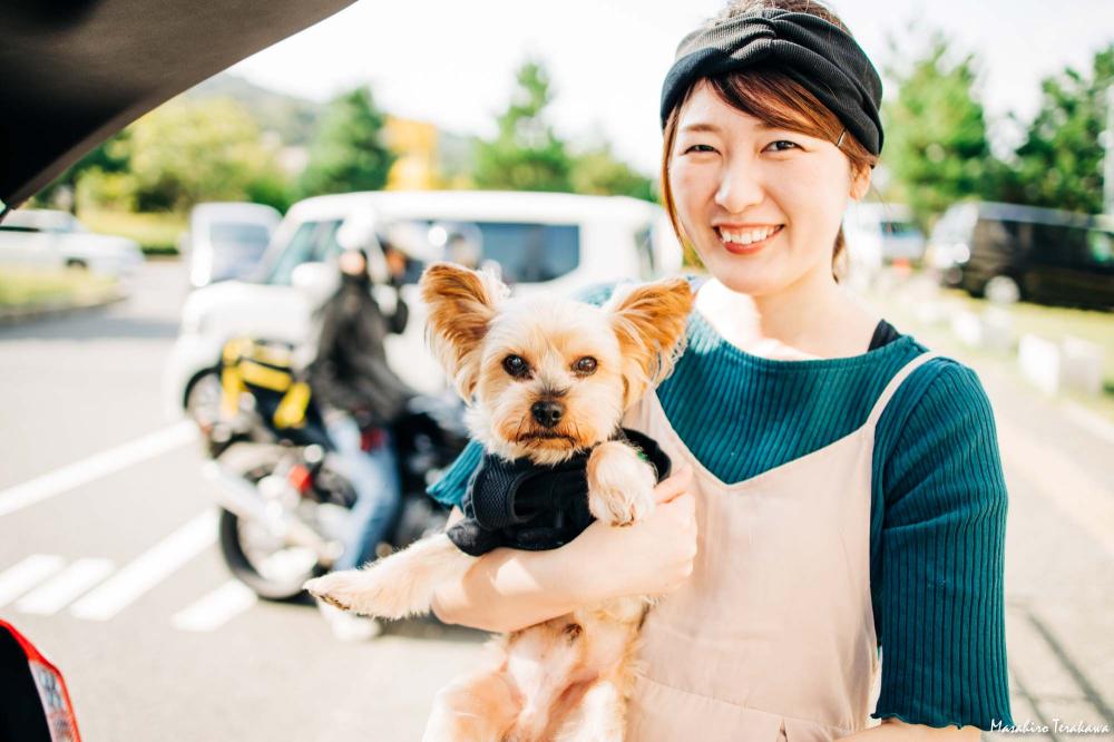 犬と家族写真の撮影 Ms Family 家族写真カメラマン 記念写真の撮影 ファミリーフォト 犬 ペット 猫 チワワ