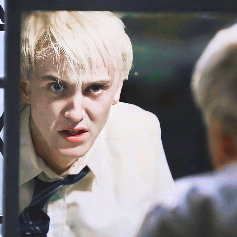 Instagram Post By Hermione Felton Apr 10 2020 At 8 45am Utc Draco Malfoy Harry Draco Draco Malfoy Hot