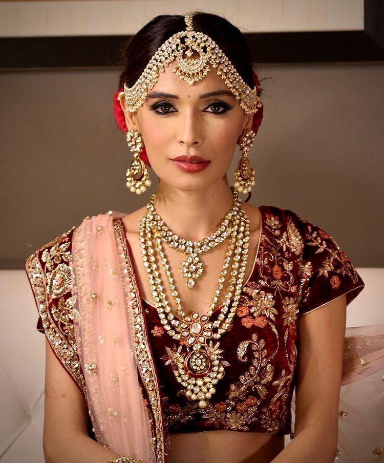 Makeup Artist Aditi Mehra makeupartist makeup mua