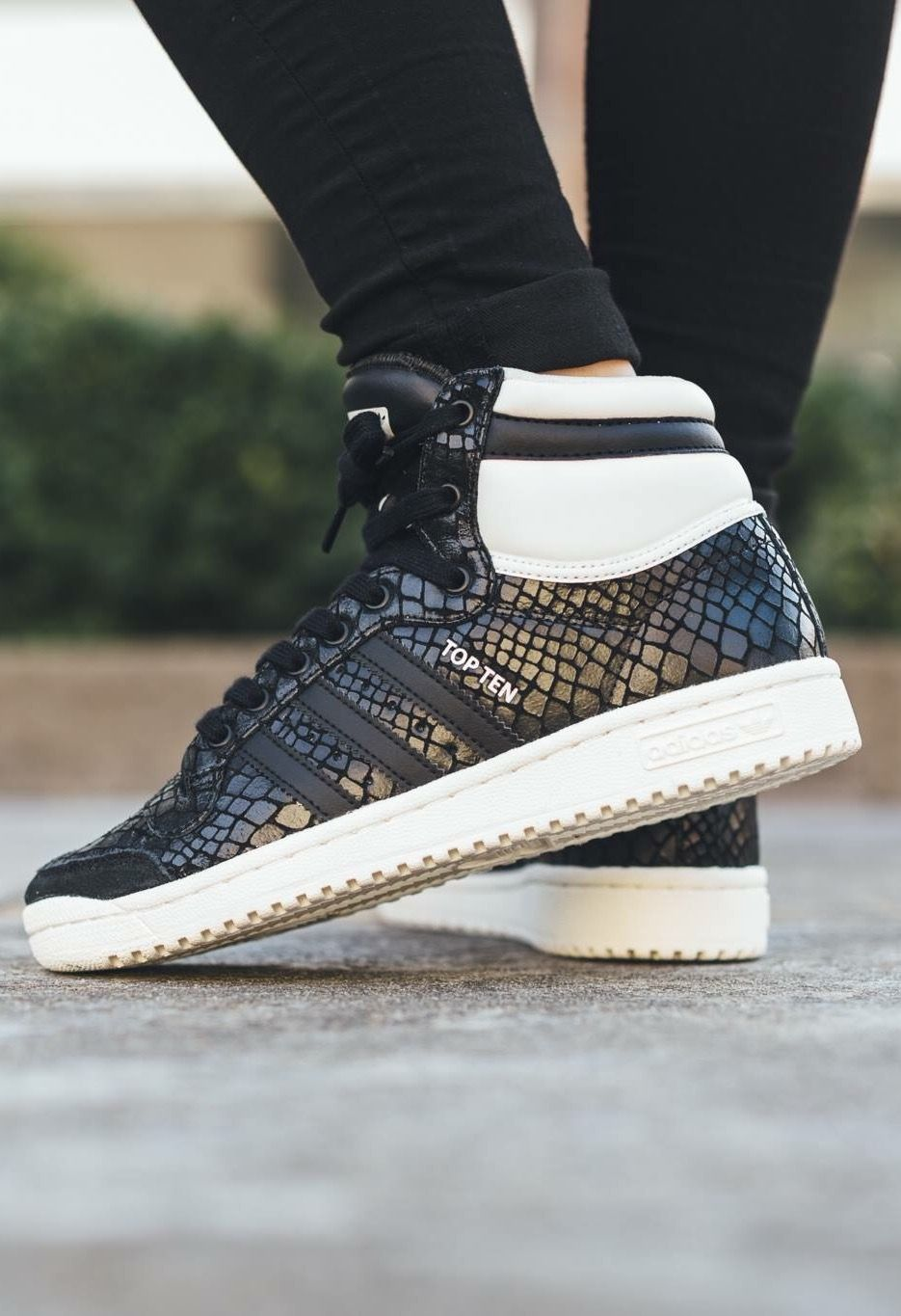 adidas Originals Top Ten: Snakeskin