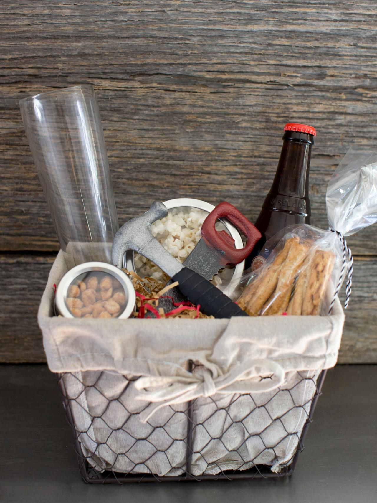 Christmas Gift Baskets | Gift Baskets | Pinterest | Gift baskets ...