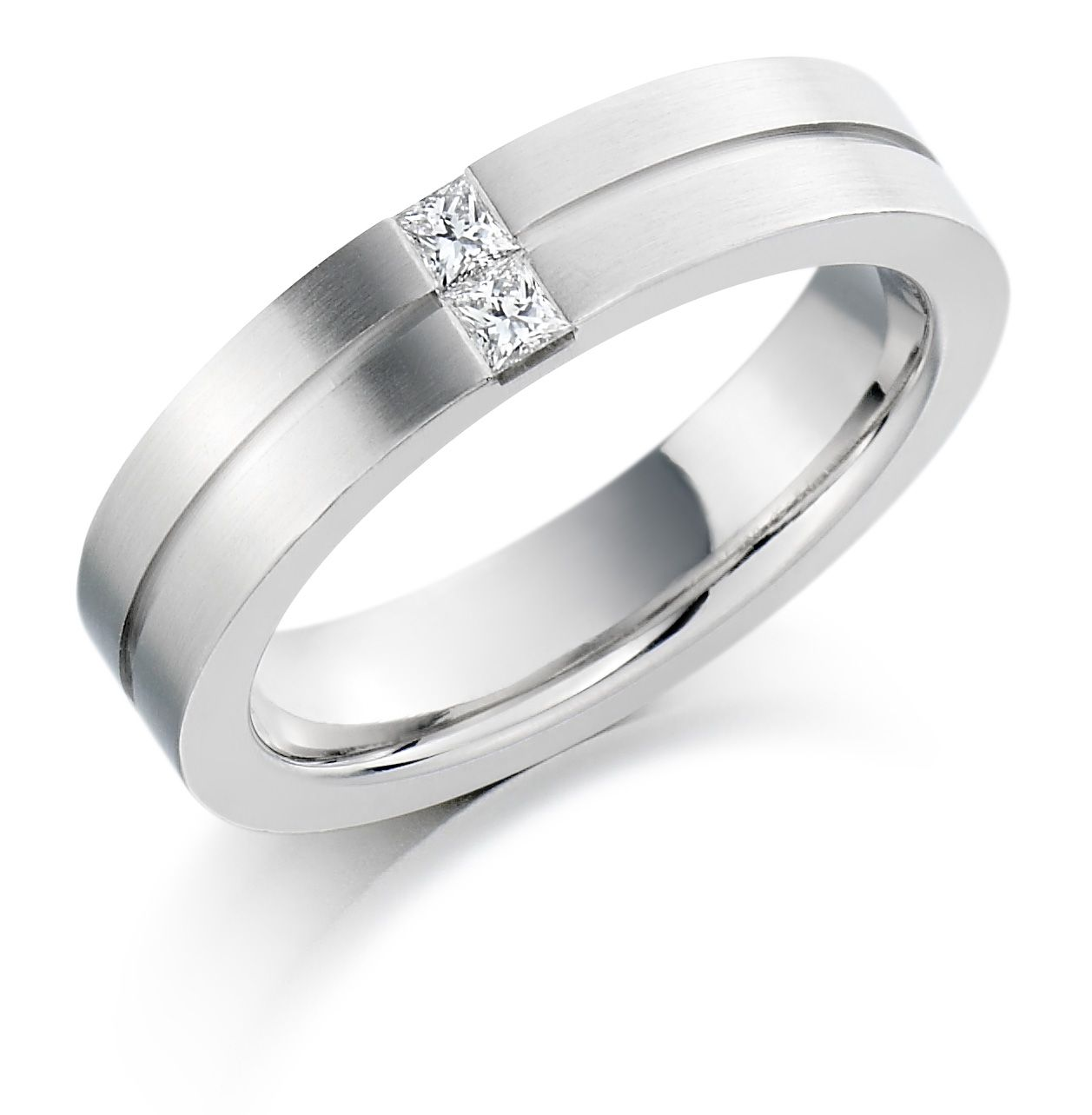 The stunning Platinum 45mm Serena diamond wedding ring