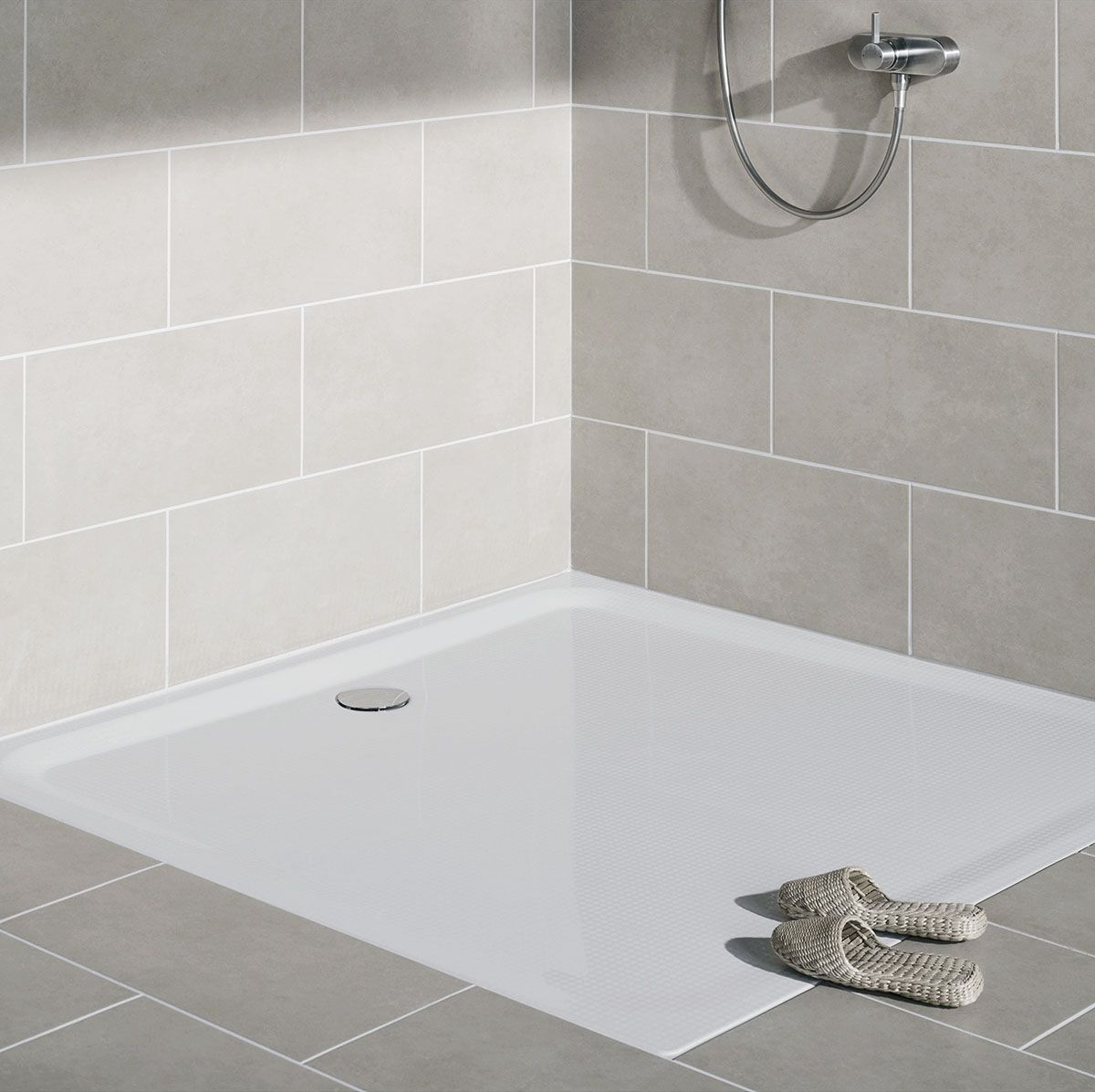 Combining Comfort And Elegant Design This Tray Blends Harmoniously Into Any Bathroom Design Designed And Manufactured In G In 2020 Shower Tray Bathroom Design Shower