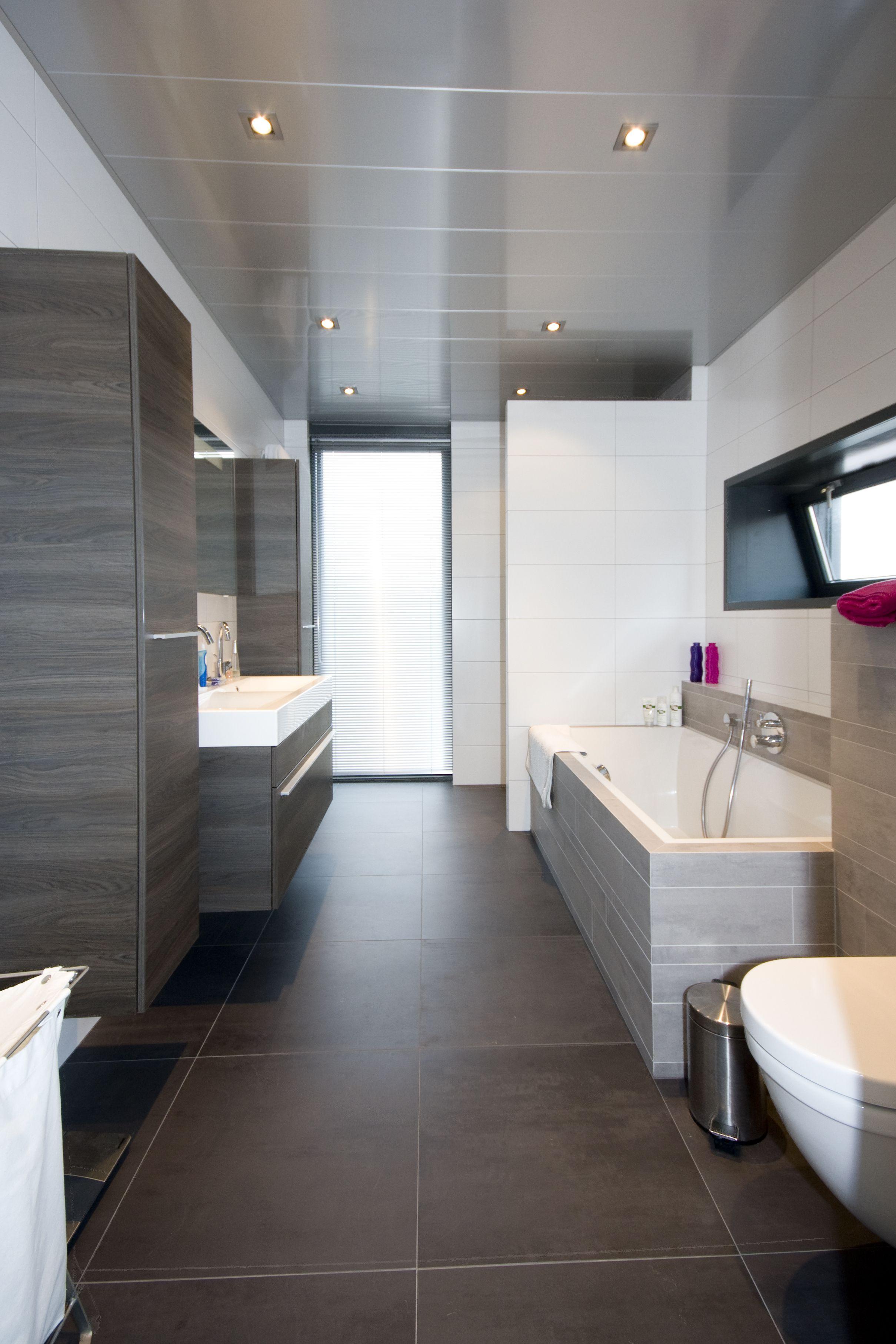 Vochtbestendig en onderhoudsvrije Luxalon aluminium badkamer plafond ...