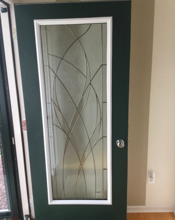 """""""Absolutely love it. Wonderful install."""" - Maureen ⭐️⭐️⭐️⭐️⭐️ #beforeandafter #dazzlemydoor #install #DIY #diyprojects #home #homedecor #homesweethome #waterside #doorglass #entryway #curbappeal #customorappreciation #customerreview"""