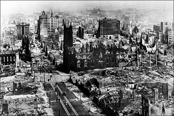Earthquake hits San Francisco, April 18, 1906