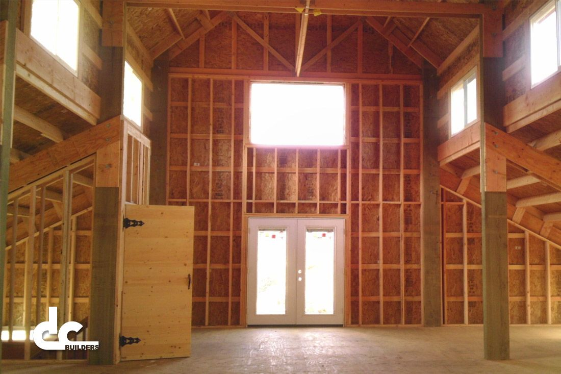 Check Out This 60 39 Monitor Barn With Eight Horse Stalls In