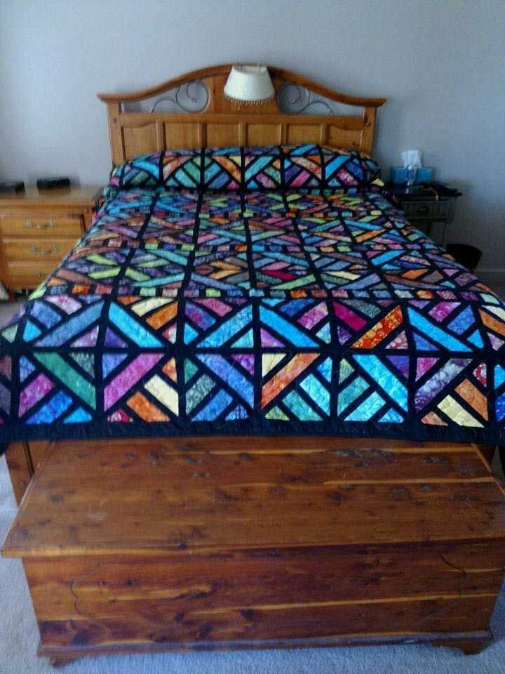 28 Amazing Stained Glass Batik Quilts Ideas #jellyrollquilts
