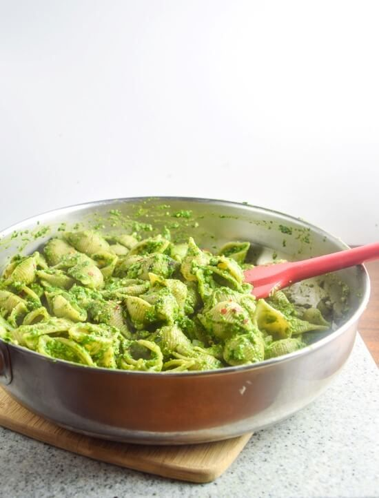 Easy Spinach Pesto Pasta Yupitsvegancom Simple Vegan