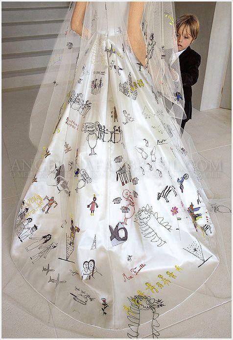 Angelina Wedding Veil With Children S Drawings On It Schiena