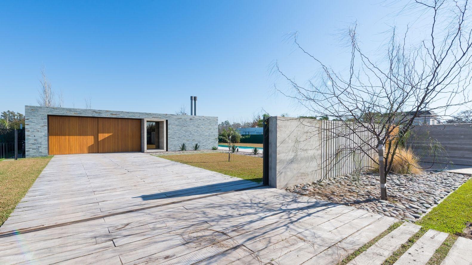 Galería de Casa Prisma / Roberto Benito - 1 | Rejas, Casas y Fachadas