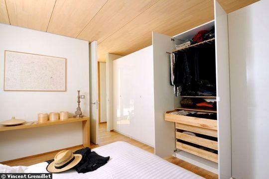 placard blanc + intérieur bois portes placard Pinterest