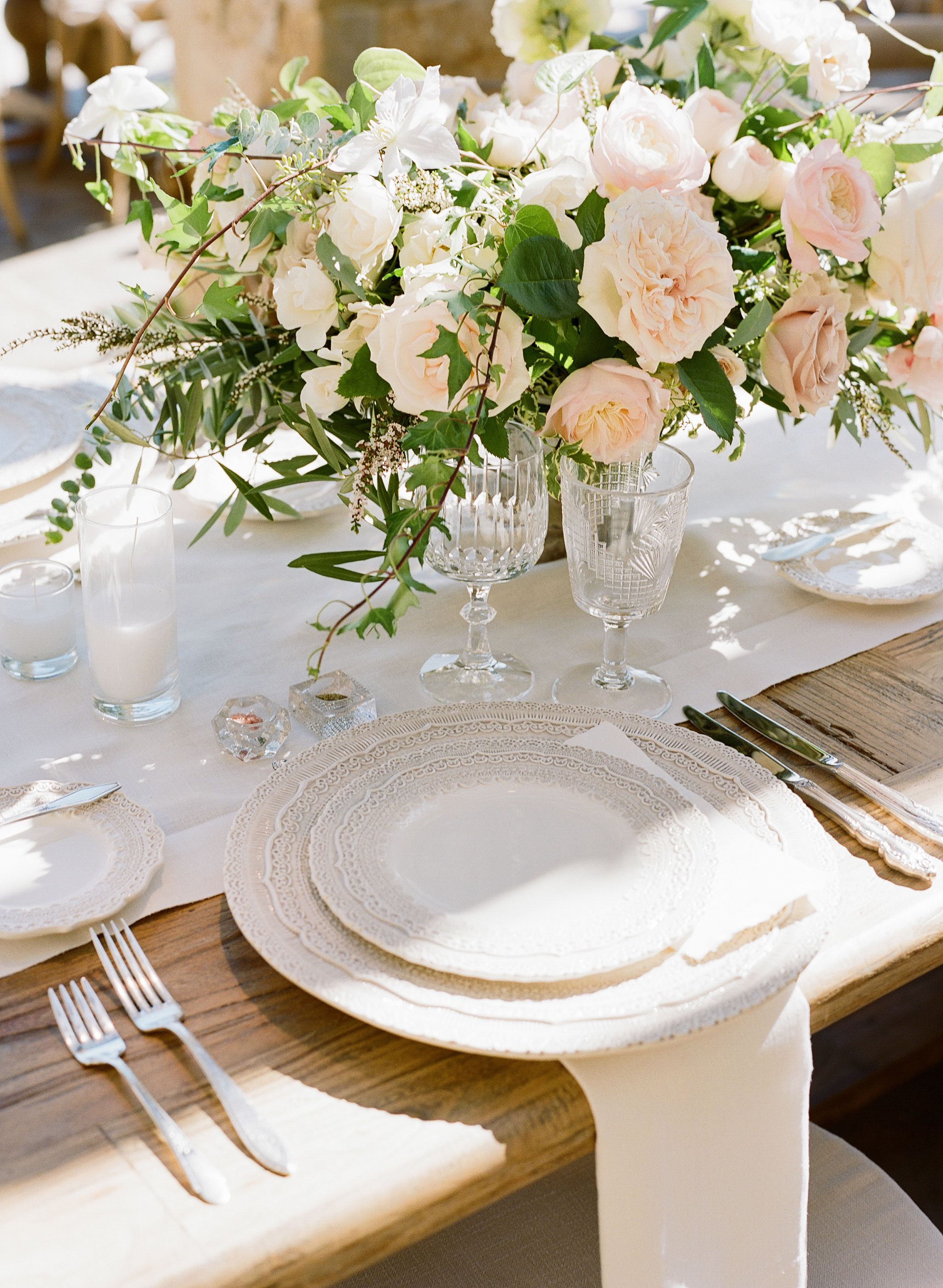 Tavola Park A Hilltop Wedding Inspired By The Couple S European Honeymoon In
