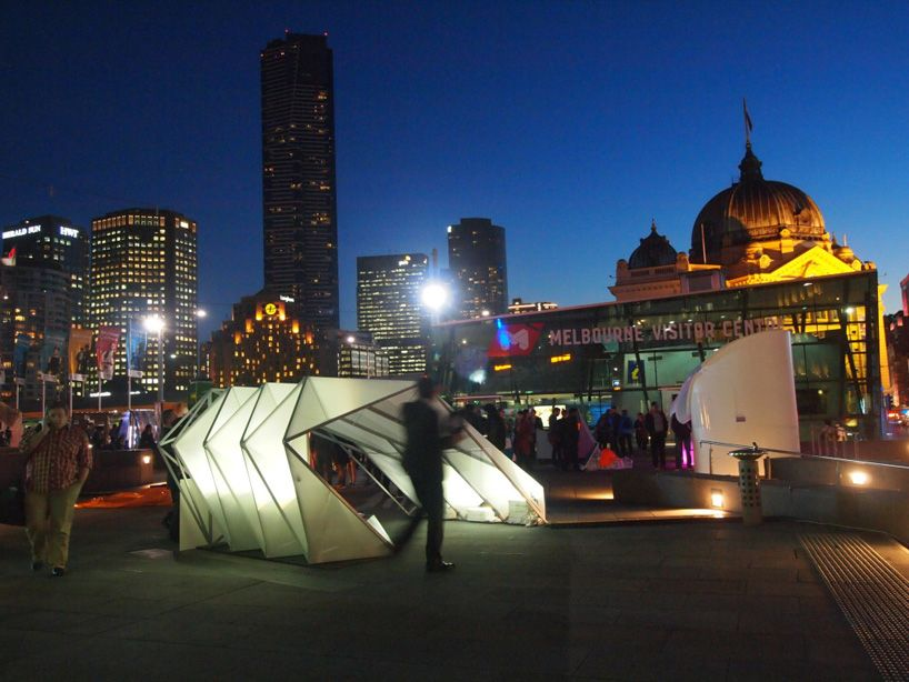 emergency shelters by woods bagot pop up in melbourne & emergency shelters by woods bagot pop up in melbourne | tents ...