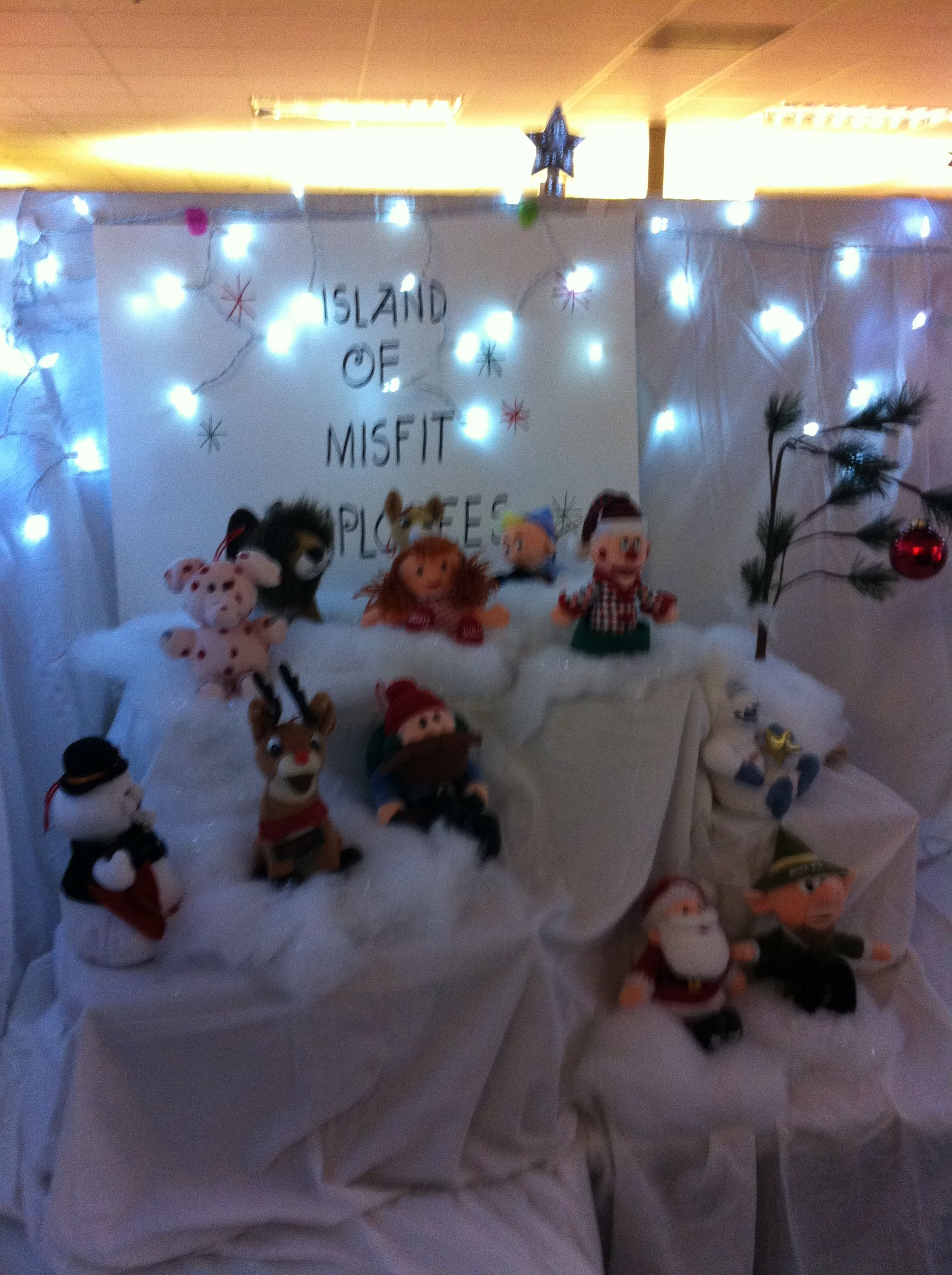 Island Christmas Party Ideas.Island Of Misfit Employees Christmas Cubicle Cubes