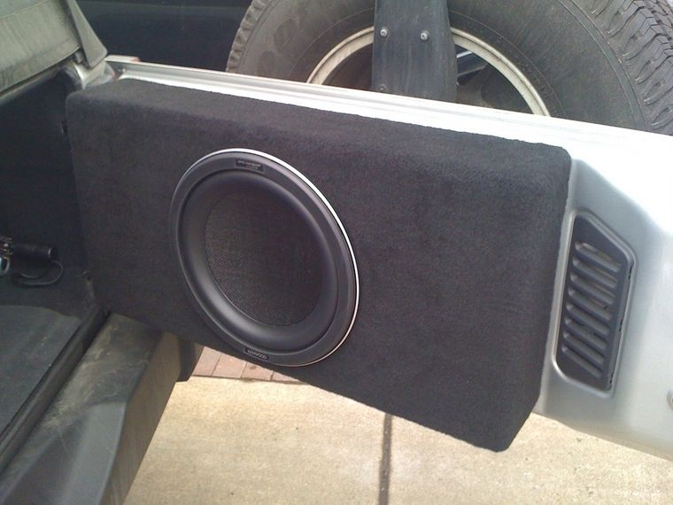 Thread Tailgate Mounted Subs Jeep Wrangler Stereo Jeep Wrangler Yj 4 Door Jeep Wrangler