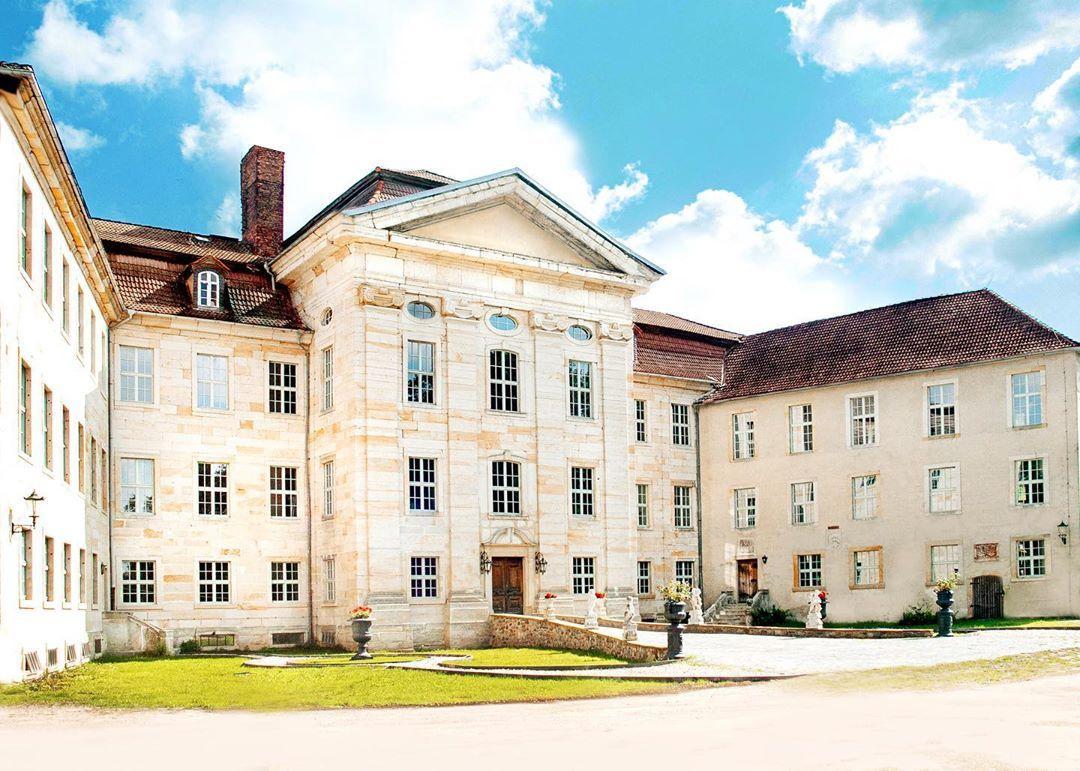 Reconstruction Of Castle Gross Bartensleben Immobilien Filme Schloss
