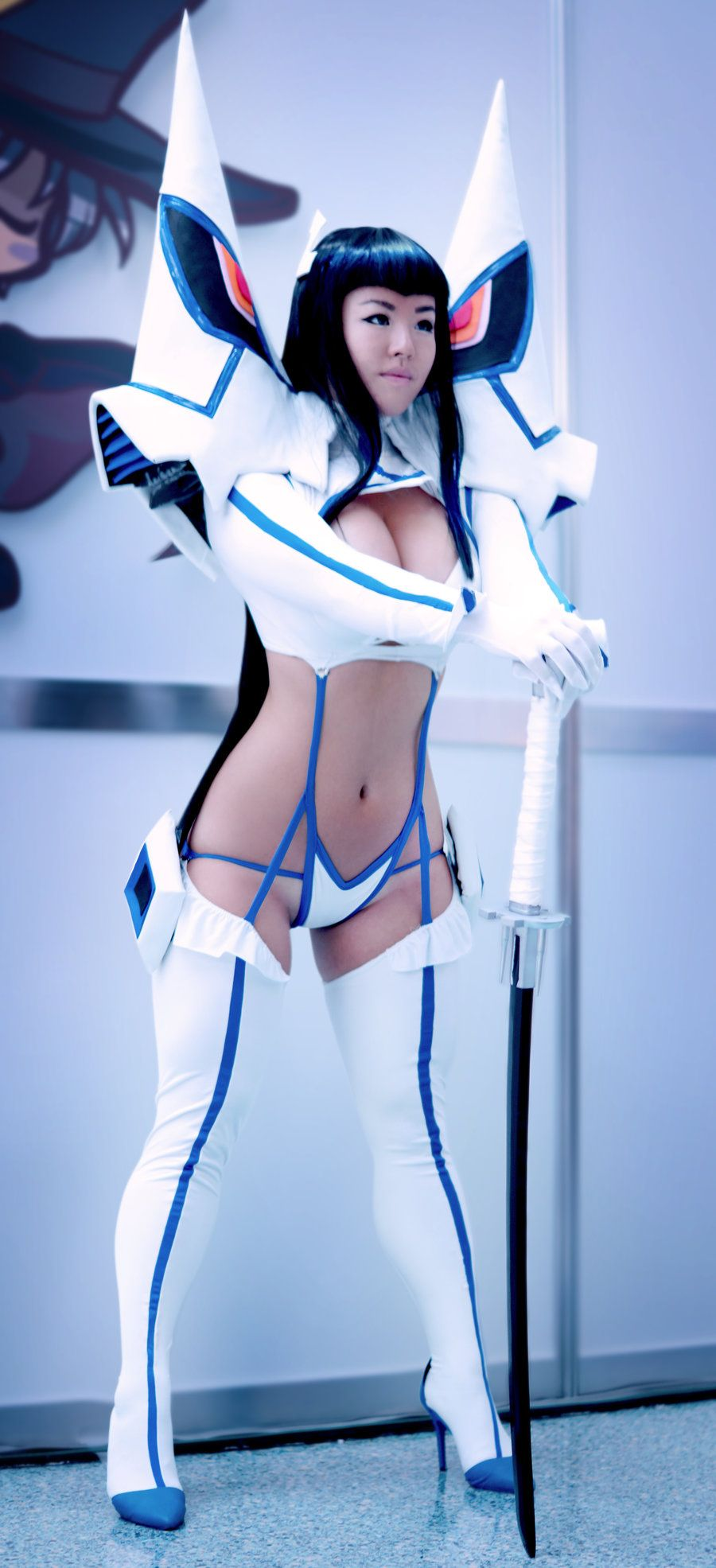 La blue girl cosplay