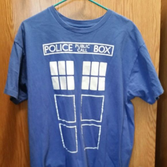 Doctor who t-shirt Got this at FYE at the local mall:dont wear it anymore Tops Tees - Short Sleeve