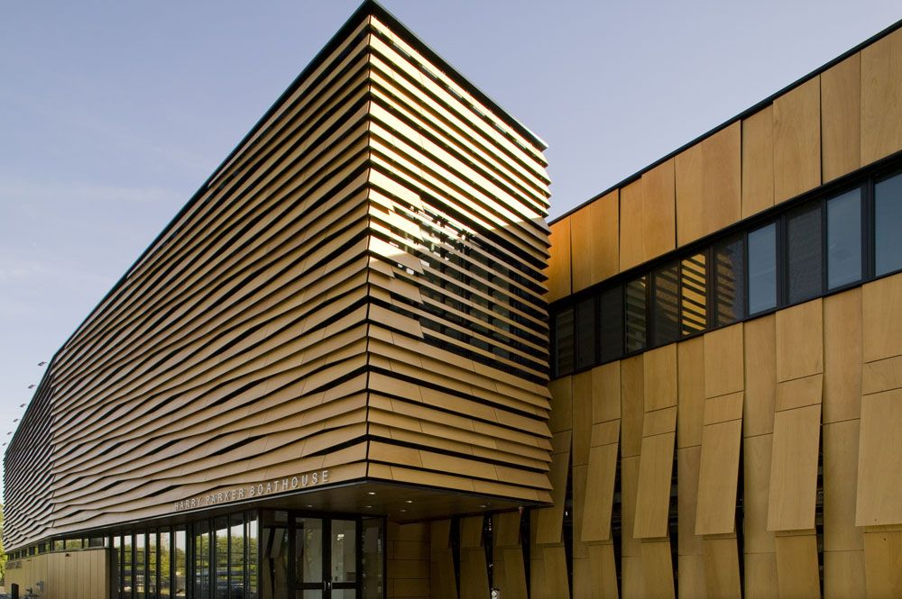 The scaly louvers facade on boathouse in brighton 371 - Tipos de revestimientos exteriores ...