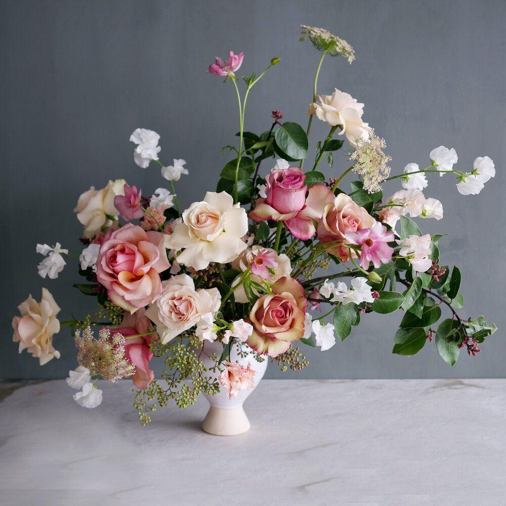 Dozen Roses Garden Blooms In 2020 Flower Delivery Floral