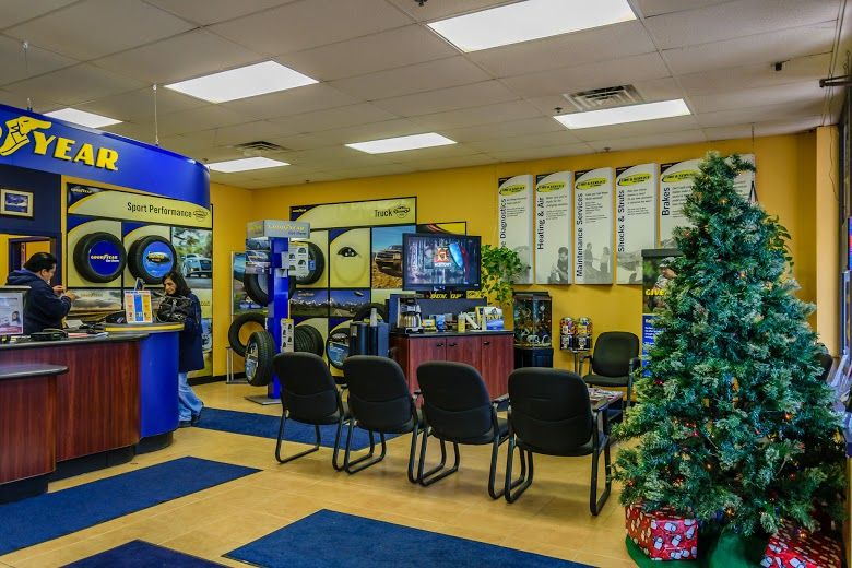 Waiting area at Hogan & Sons Tire and Auto shop in Herndon