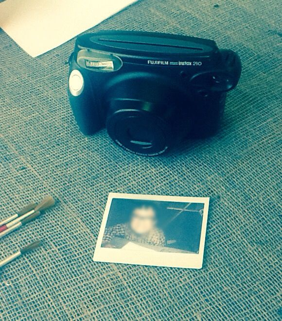 New #KABlog: Rhiannon from pre-school talks about a Polaroid activity, which helped to develop several key skills! #EYFS.
