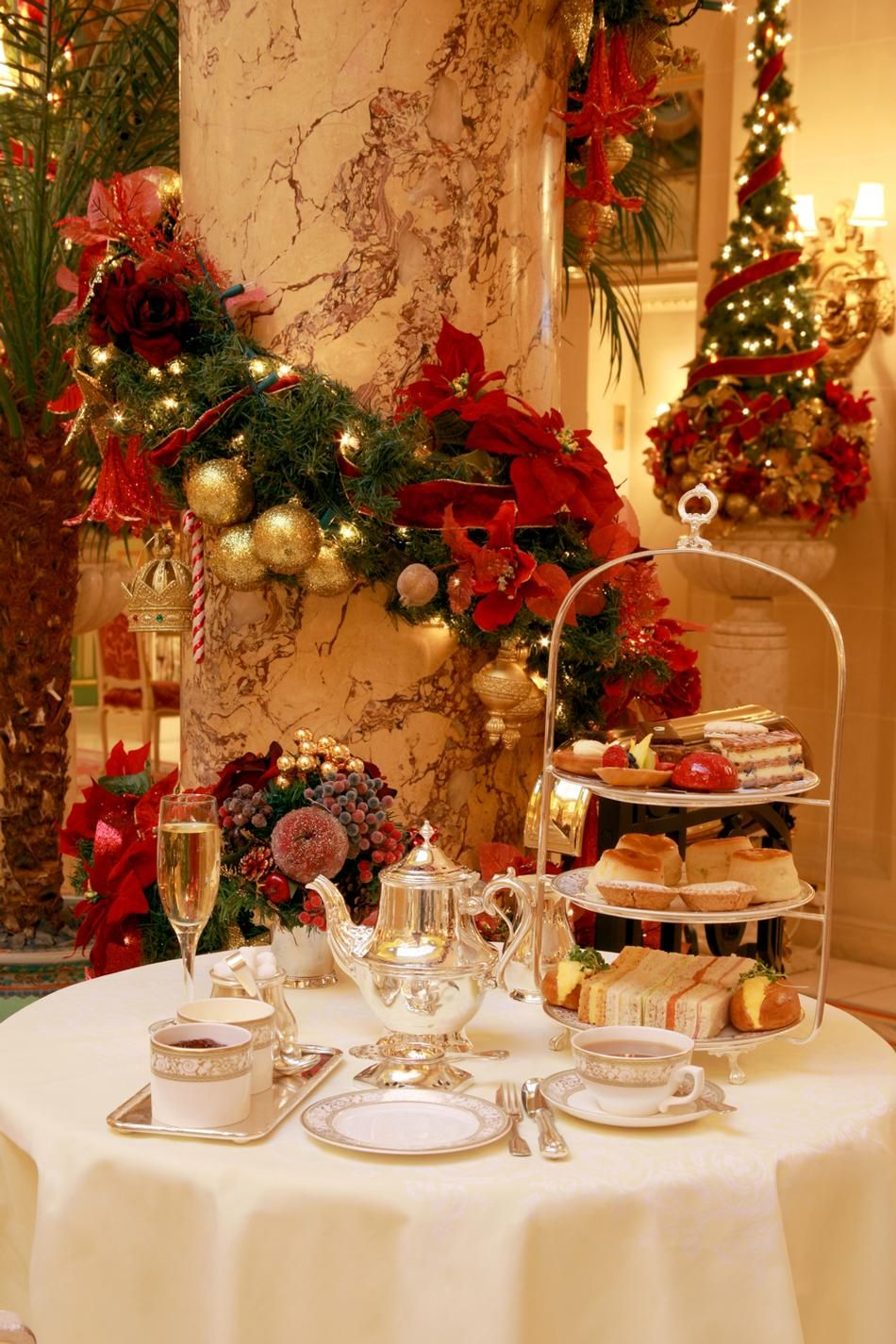 The ritz london afternoon tea at christmas time a thomas for Exclusive christmas decorations