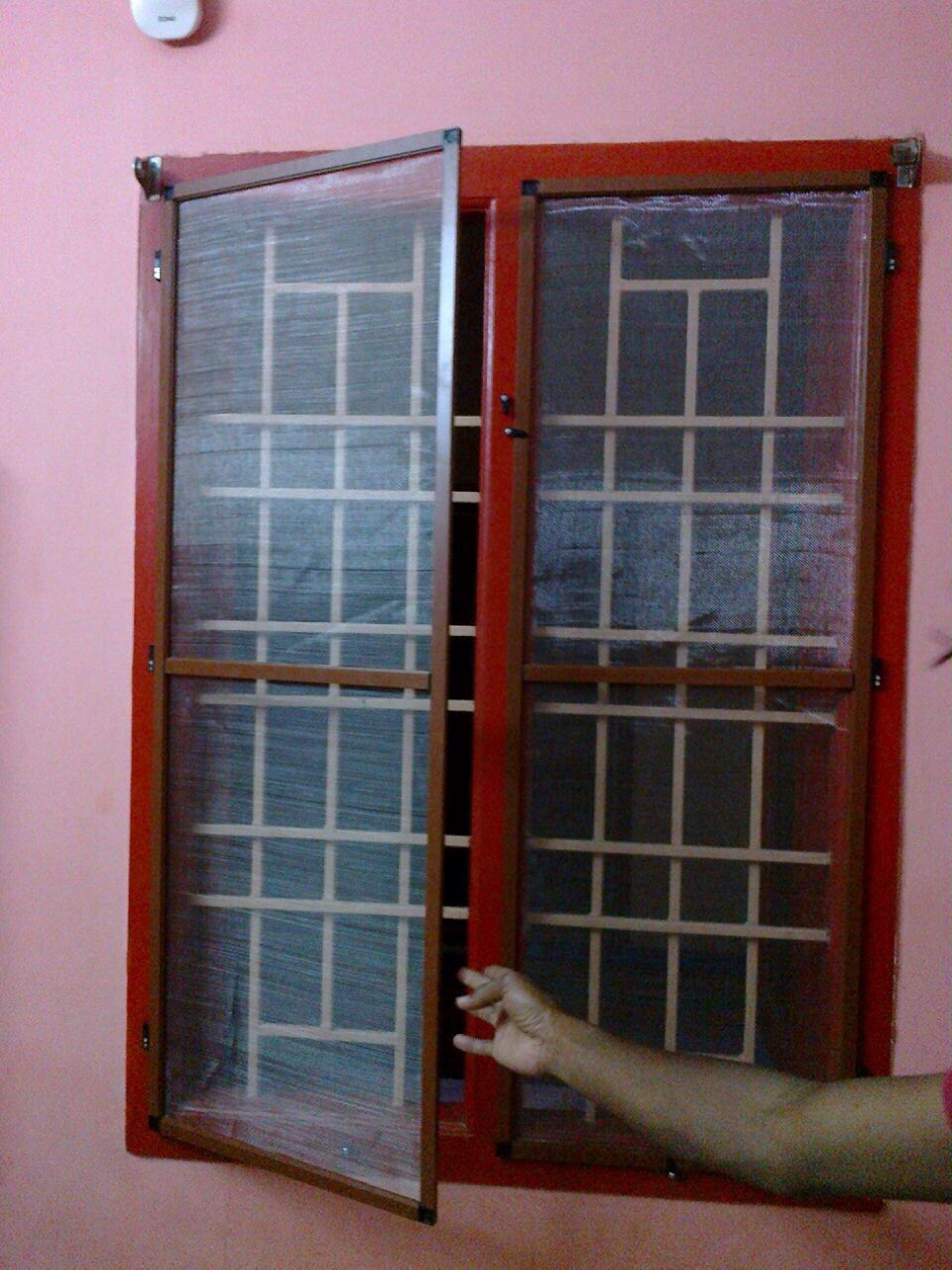 Window mosquito net dealers in alwarpet diy house things for Window insect screen