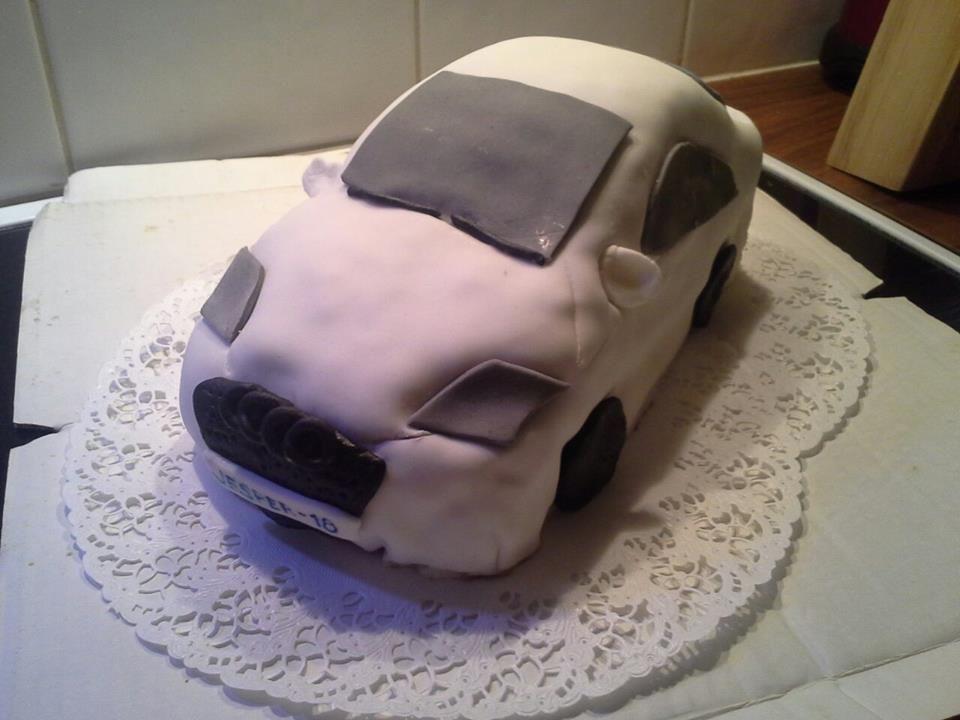 audi tt - Audi tt kakku 18vuotiaalle pojalle. - Noora - Aina on aihetta leipoa kakku -kilpailun satoa 15.4. - 16.6.2014 https://www.facebook.com/leivojakoristele
