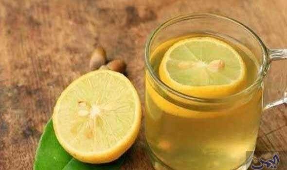 حضرى بنفسك مشروب لتهدئة آلام الحلق تعاني من الزكام وعلاج نزلات البرد واعراضها المزعجة وخاصة آلام Lemon Water Drinking Warm Lemon Water Oily Skin Care Routine