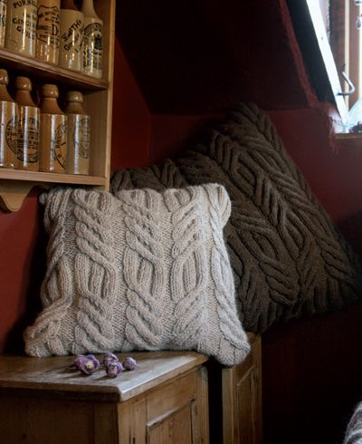 Chunky Knitted Cushion Pattern Claires Cushions Pinterest