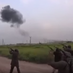 Видео, на котором сирийские повстанцы расстреливают российского летчика со сбитого Су-25, за трое суток набрало рекордное количество просмотров