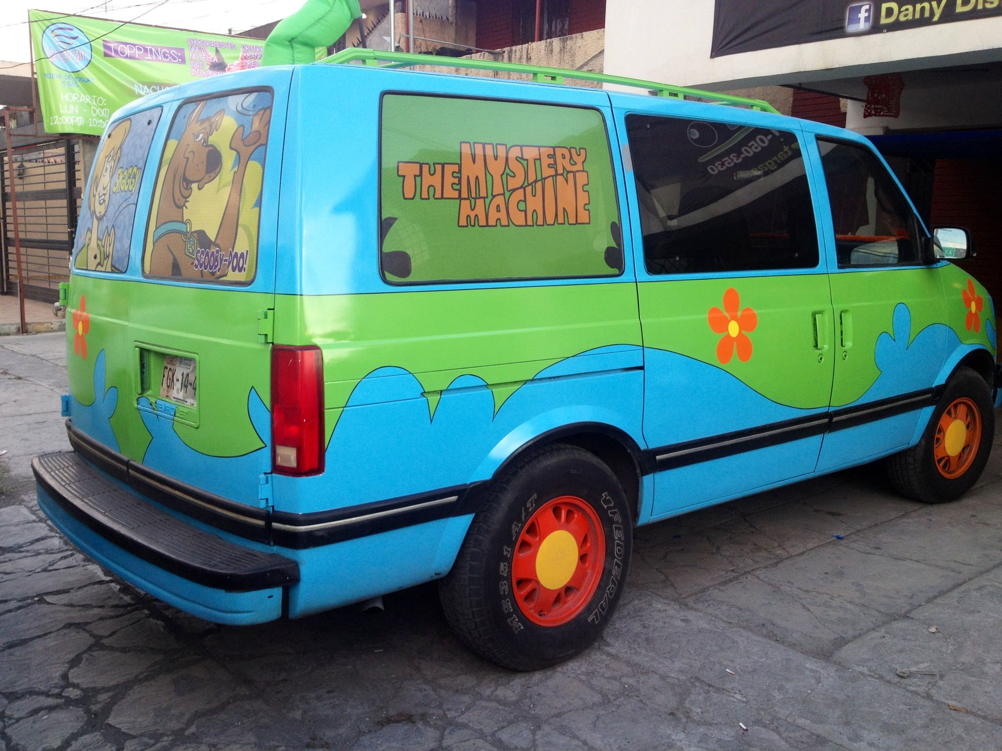 the mystery machine scooby doo astro van [ 2048 x 1536 Pixel ]
