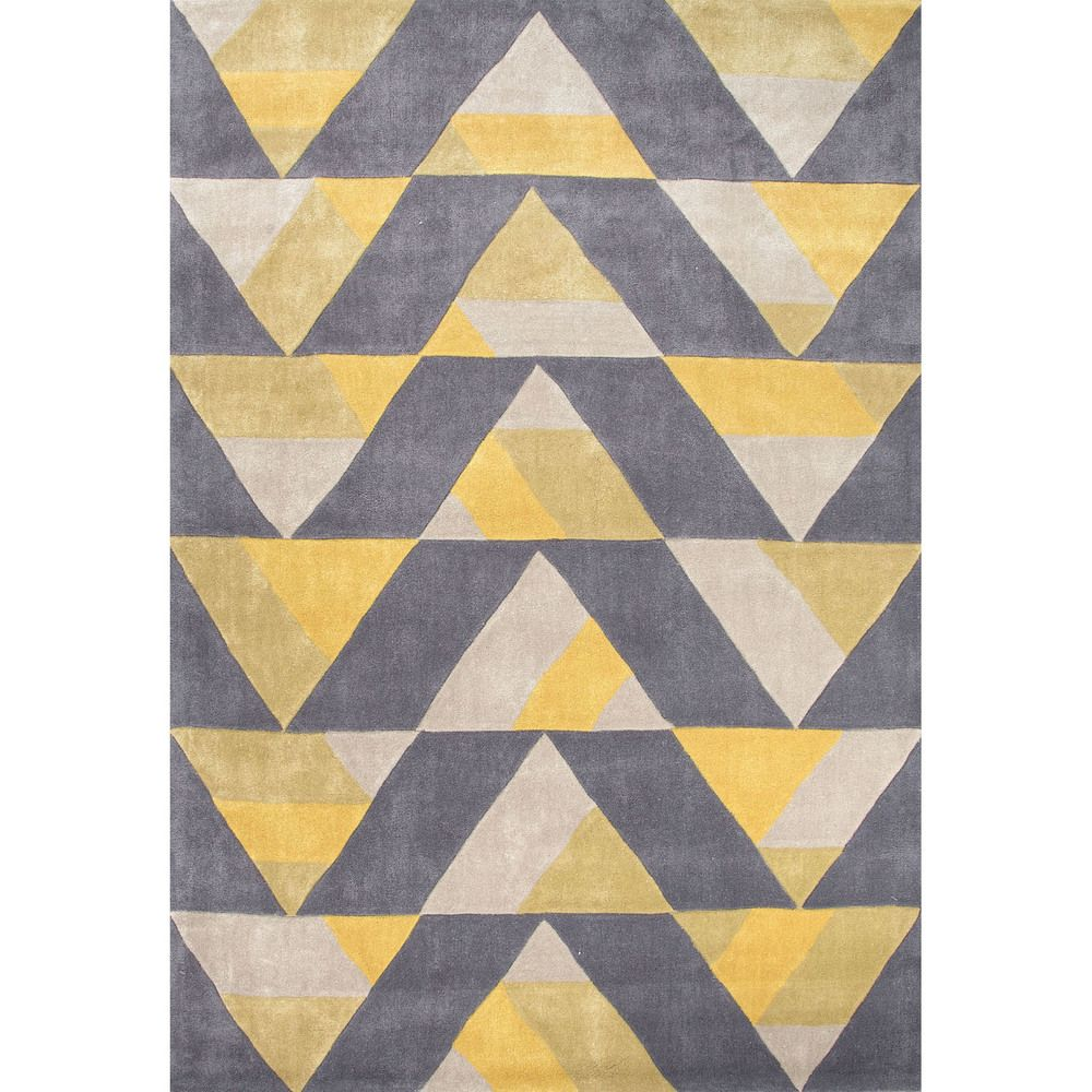 A dynamic geometric design of repeating triangles gives this rug ...