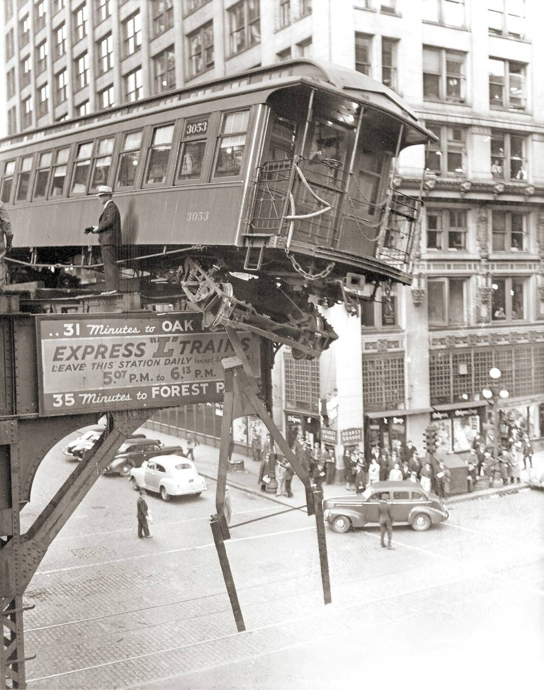 Photo Chicago Elevated At Hearst Square Derailment Near Hearst Building Note Sign For Forest Park Train Aerial 1940s Chicago Photos Chicago History Downtown Chicago